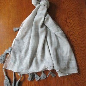 Scarf Gray White Vintage Tassle Cotton